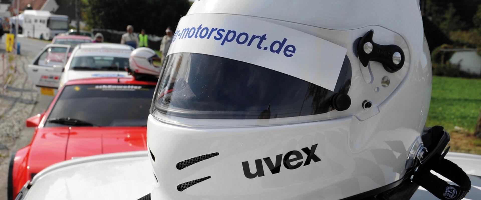 Helm von RTR Motorsport